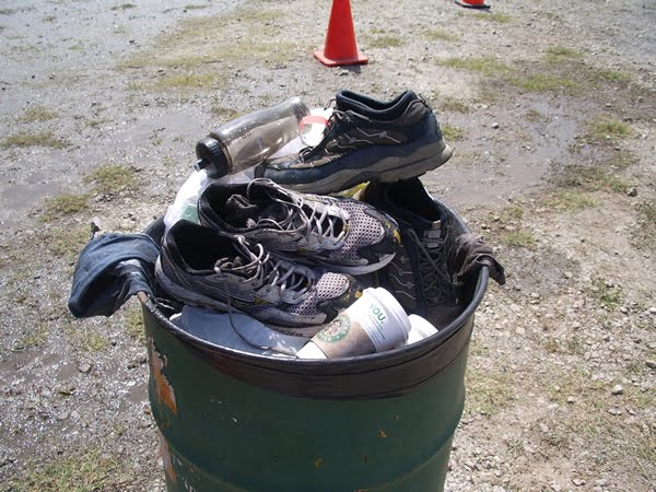 shoes_in_garbage